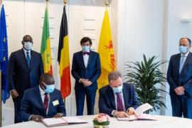 Signature des intentions en présence du Président du Sénégal, Macky Sall, du Ministre-Président du Gouvernement wallon, Elio Di Rupo et du Ministre de l'Economie Willy Borsus